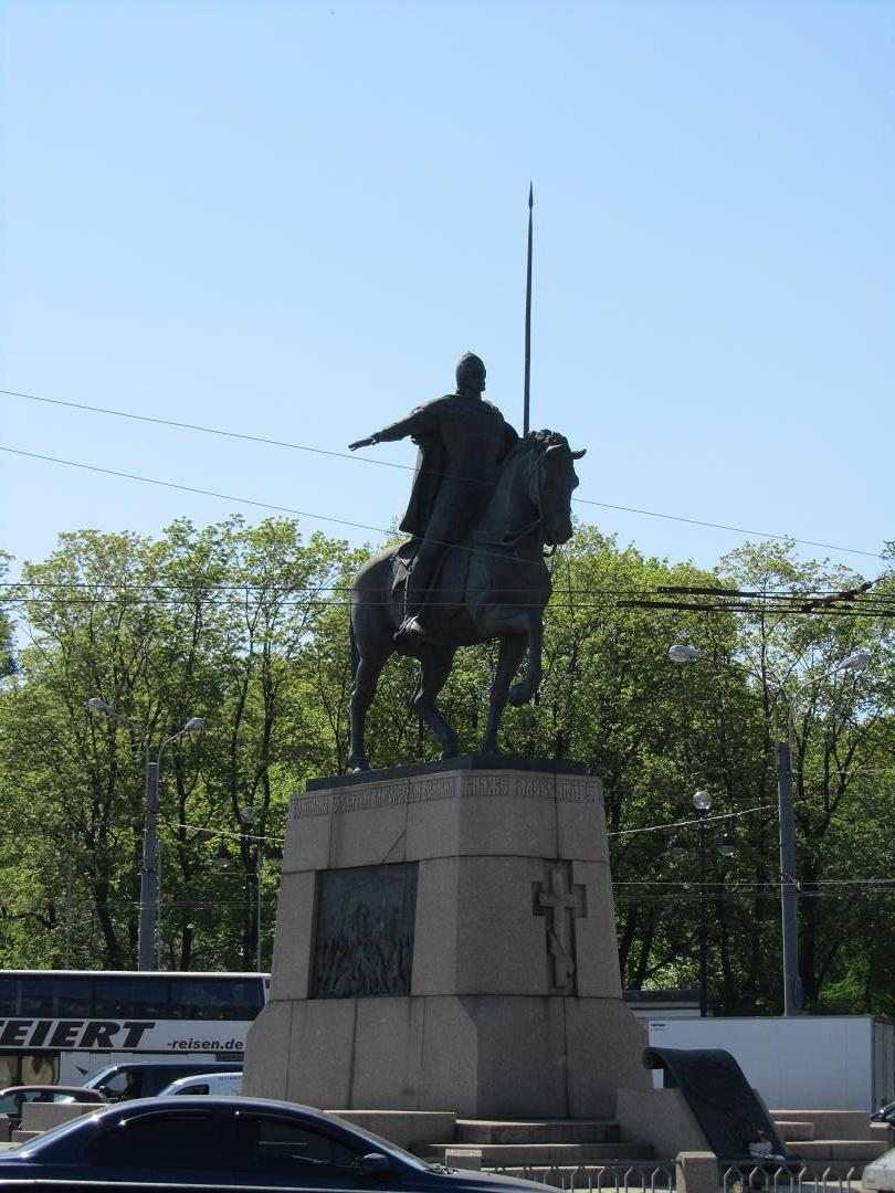 Памятники 9 века питер какие памятники есть в челябинске